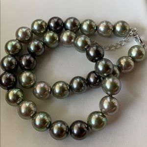 ❌Firm Price❌Vintage Tri-Color Pearl Necklace